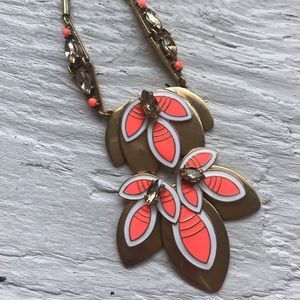 Stella and Dot Hibiscus Pendant Necklace